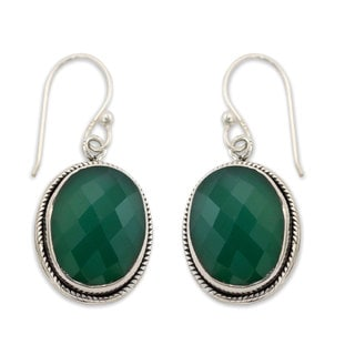 Handcrafted Sterling Silver 'Luscious Green' Onyx Earrings (India)