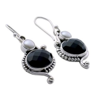 Link to Handmade Sterling Silver 'Magical Moons' Pearls Onyx Earrings (5 mm) (India) Similar Items in Earrings