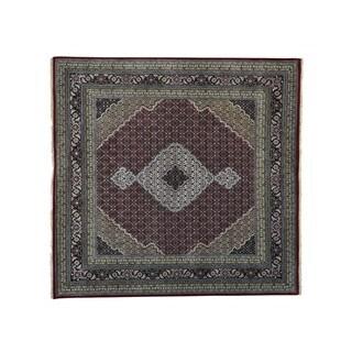 Square Handmade Wool and Silk Tabriz Mahi Oriental Rug (8'10 x 9'1)