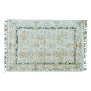 Silken Ivory Esfahan 400 KPSI Hand-knotted Oriental Rug (5'7 x 8'2)