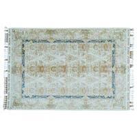 Soft Colors Silken Esfahan 400 KPSI Handmade Oriental Rug (5'6 x 8') - 5'6 x 8'