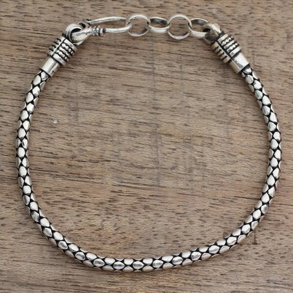 Shop Handmade Men's Sterling Silver 'Serpent Tale' Bracelet (India