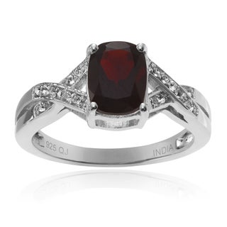 Journee Collection Sterling Silver 1 1/2 ct Garnet and Topaz Accent Ring