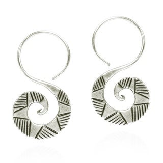 Handmade Thai Hill Tribal Graphic Curl Hook Dangle Silver Earrings (Thailand)