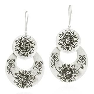 Handmade Thai Hill Tribal Engraved Sunflower Silver Dangle Earrings (Thailand)