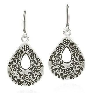 Edged Flower Vine Thai Karen Handmade Silver Earrings (Thailand)