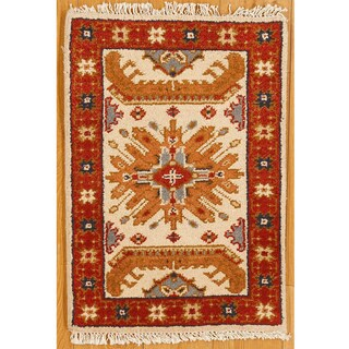Handmade Kazak Ivory and Red Accent Rug (India)