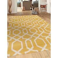 Contemporary Trellis Design Yellow Indoor Area Rug - 2' x 3'