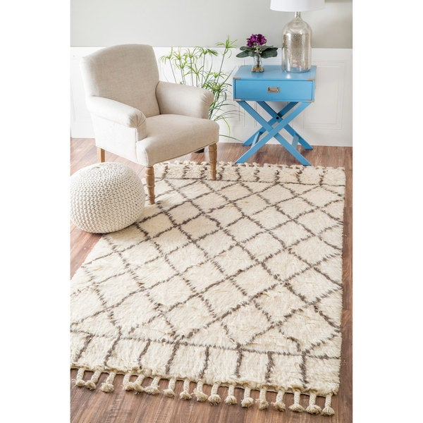 nuLOOM Handmade Soft and Plush Lattice Trellis Wool Natural Shag Rug (8' x 10') - 8' x 10'