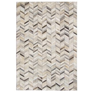 Hand-stitched Grey Chevron Cow Hide Leather Rug (5' x 8')|https://ak1.ostkcdn.com/images/products/10610464/P17681835.jpg?impolicy=medium