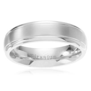 Men's Titanium Brushed Center Step Edge Wedding Band