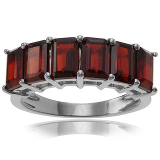 Journee Collection Sterling Silver 1 1/2 ct Garnet Ring