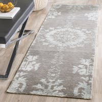 Safavieh Hand-knotted Stone Wash Grey Wool Rug - 2'6 x 8'