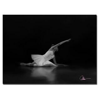 Martha Guerra 'Dancer III' 16x24 Canvas Wall Art