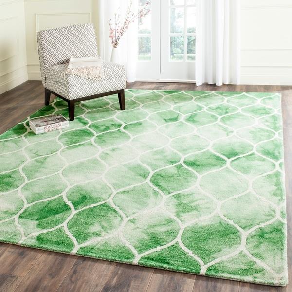 Safavieh Handmade Dip Dye Watercolor Vintage Green/ Ivory Wool Rug - 8' x 10'