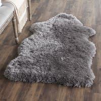 Safavieh Handmade Arctic Shag Grey Hide Shaped Polyester Rug (5' x 7')