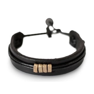 Handcrafted Men's Leather 'Stand Together in Black' Bracelet (Ghana)