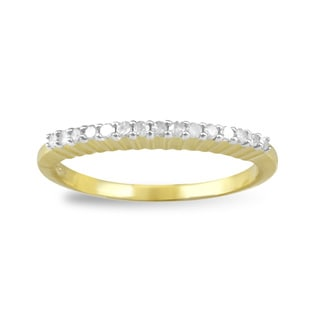 Sterling Silver Yellow Gold Plated 0.15ct TDW Diamond Band Ring