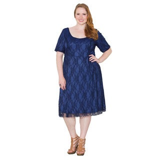 Sealed with a Kiss Women's Plus Size 'Kara' Lace Dress