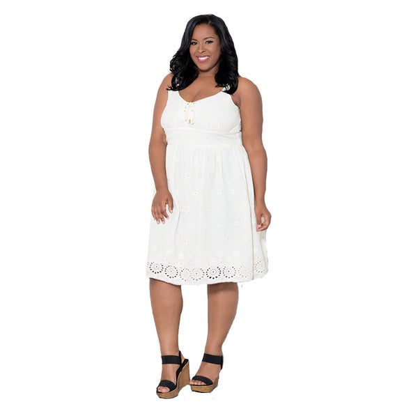 Shop Sealed with a Kiss Women\'s Plus Size \'Monica\' Eyelet Dress ...