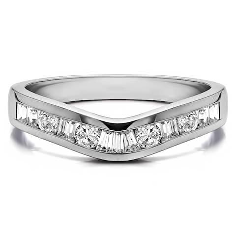TwoBirch Sterling Silver Classic Style Curved Tracer Band mounted with Cubic Zirconia (0.5 Cts. twt)