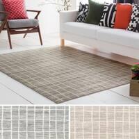 Meticulously Woven Tasha Wool Rug - 7'11 x 10'3