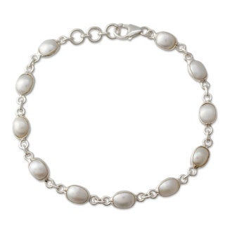 Romantic Aura Oval White Freshwater Pearls Bezel Set in 925 Sterling Silver Adjustable Length Womens Bracelet (India)