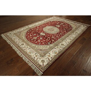 Hand-knotted Red Kashan Pure Silk Medallion Floral Design Area Rug (6' x 9')