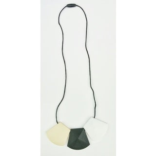 Pretty Little Stye Black and Tan BPA Free Silicone Domino Teething Necklace