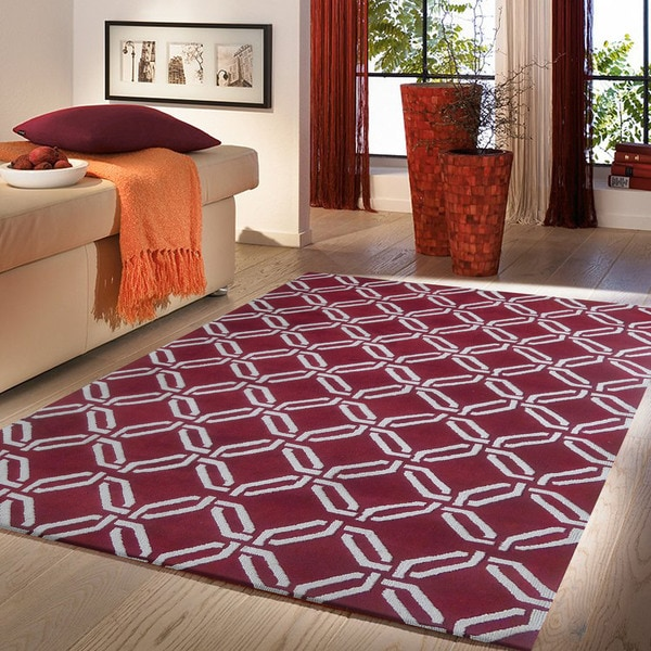 Microfiber woven burgundy and white area rug 5 39 x 7 for Living room rugs 6x9