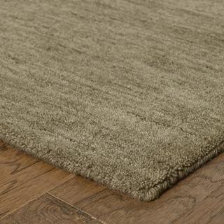 Handwoven Plush Wool Heathered Green Rug (10' X 13') - 10' x 13'