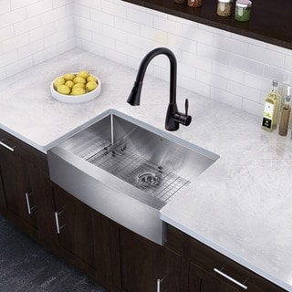 VIGO 33-inch Farmhouse Single Bowl Kitchen Sink and Aylesbury Kitchen Faucet
