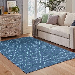 Scalloped Lattice Navy/ Blue Indoor Outdoor Area Rug (7'10 x 10'10)