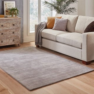 Handwoven Wool Heathered Grey Area Rug (6' x 9')