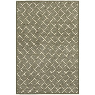 Diamond Trellis Heathered Grey/ Ivory Area Rug (6'7 x 9'6)