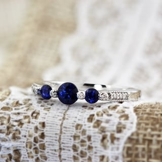 Auriya 14k Gold 2/5ct Blue Sapphire and 1/6ct TDW Round-cut Diamond Engagement Ring (H-I, SI1-SI2)