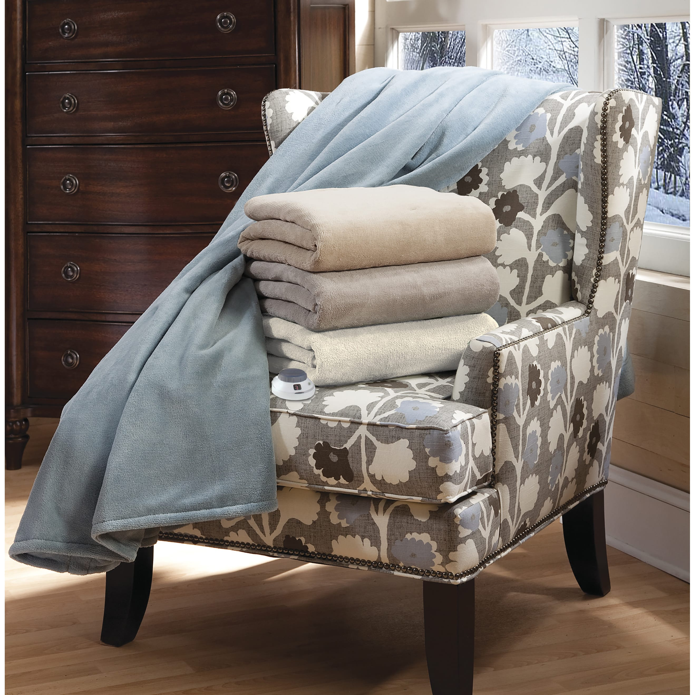 Serta Luxe Plush Electric Heated Throw with Low Voltage T...