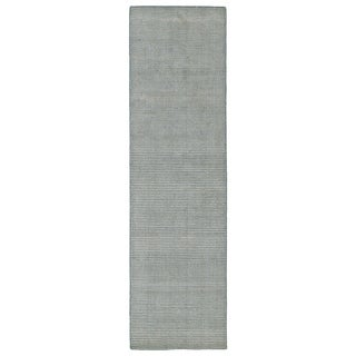 Solid Chic Slate and Beige Hand-Tufted Rug (2'6 x 8'0)
