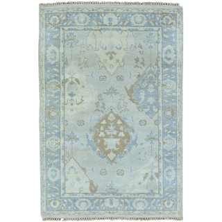 Hand-knotted Silver Wash Oushak Oriental Area Rug (4' x 6')