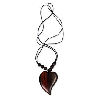 Handmade Sono Wood 'Enamor' Necklace (Indonesia)