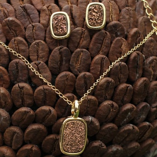 Handcrafted Gold Overlay 'Bronze Windows' Agate Jewelry Set (Brazil)