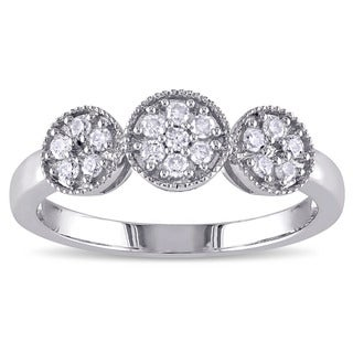 Miadora Sterling Silver 1/4ct TDW Diamond Cluster Ring