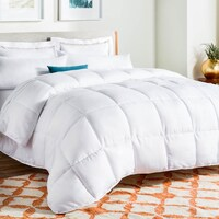 Fluffy Down Alternative Comforters
