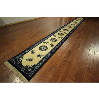 Ivory Peking Design Runner Silky Chinese Hand-knotted Wool Rug (3' x 22')