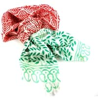 Handmade Women's Red and Green Leaf Design Cotton Scarf (India)
