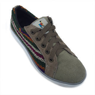 Handmade Andiz Women's Size-5 Handmade Multi-colored Oxford Made Wool Shoes (Ecuador)