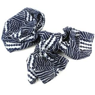Handmade Black and White Geometric Cotton Scarf (India)