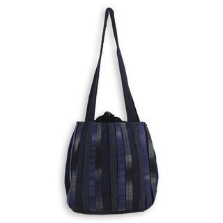 Handcrafted Cotton 'Orient Blue' Shoulder Bag (Thailand)