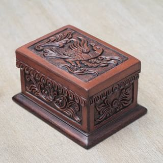 Handcrafted Leather Cedar Wood 'Condor' Jewelry Box (Peru)