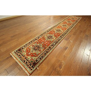 Hand-knotted Wool Red Veg DyedHerizSerapi Runner Floral Rug (3' x 14')
